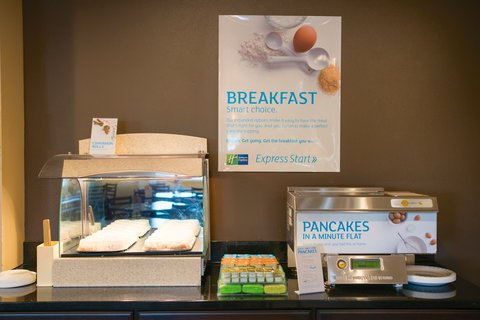 Holiday Inn Express DEVILS LAKE - Pancake Machine  Cinnamon Rolls