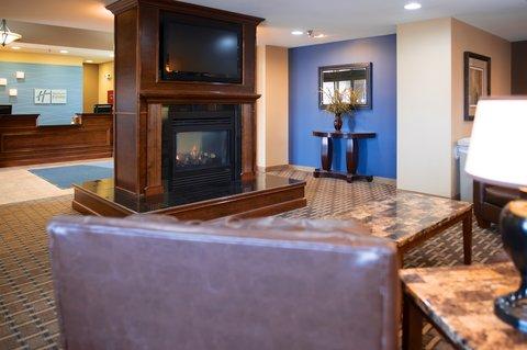 Holiday Inn Express DEVILS LAKE - Lobby w Fireplace