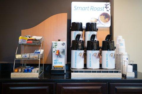 Holiday Inn Express DEVILS LAKE - Coffee Station