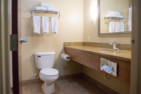 Holiday Inn Express DEVILS LAKE - Guest Bathroom