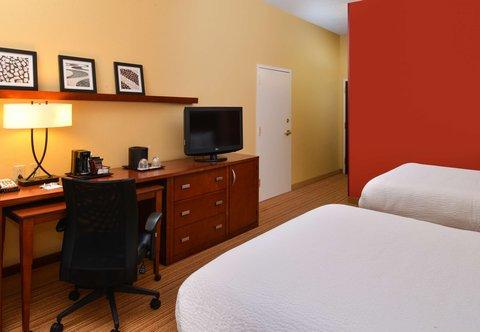 Courtyard Columbia Northeast/I-77 - Queen Queen Guest Room Work Area