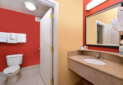 Courtyard Columbia Northeast/I-77 - Guest Bathroom