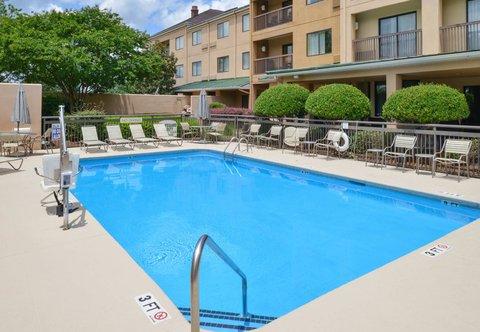 Courtyard Columbia Northeast/I-77 - Outdoor Pool