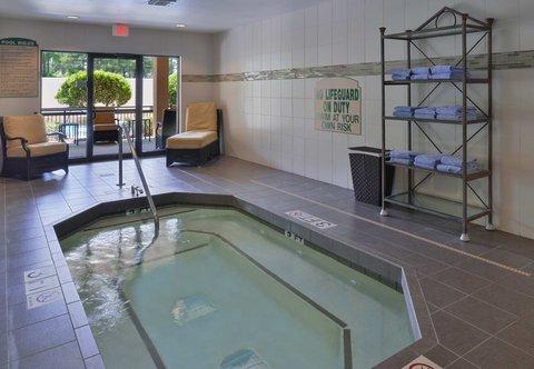 Courtyard Columbia Northeast/I-77 - Indoor Spa