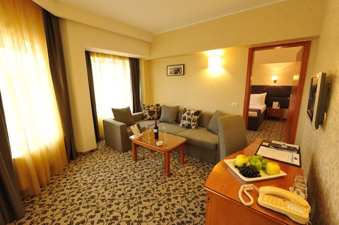 Crystal Palace Hotel - Junior Suite