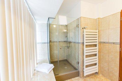 Crystal Palace Hotel - Executive room bathroom