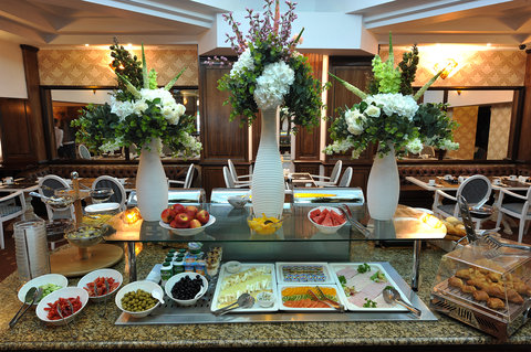 Crystal Palace Hotel - Buffet breakfast