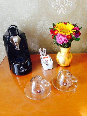 Crystal Palace Hotel - Tea Coffee Maker