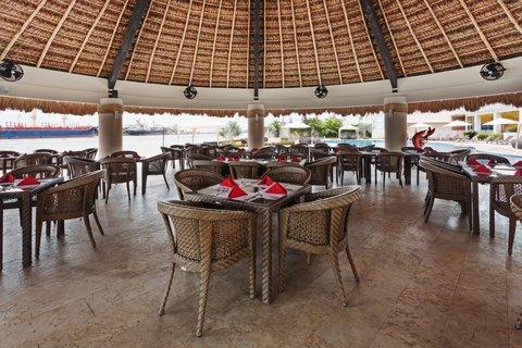 Crowne Plaza Tuxpan Hotel - Palapa Tochtli seafood restaurant