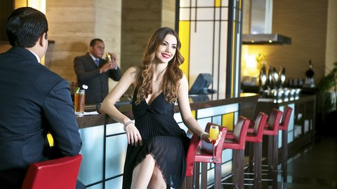 Holiday Inn GUAYAQUIL AIRPORT - Lobby Bar