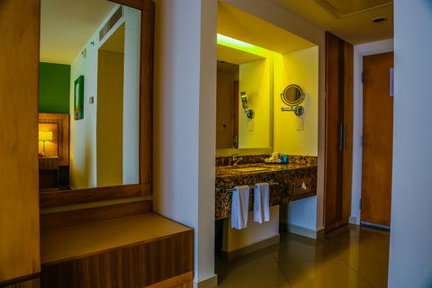 Crowne Plaza Tuxpan Hotel - Guest standard room