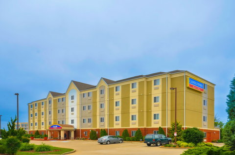 Candlewood Suites CLARKSVILLE - Hotel Exterior