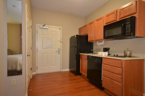 Candlewood Suites CLARKSVILLE - Guest Room