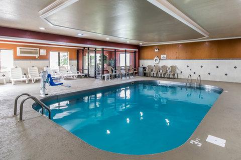 Comfort Inn Evansville - Pool