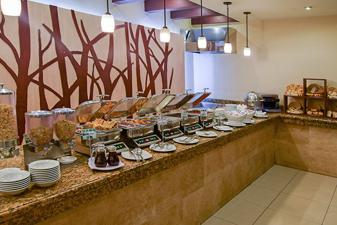 Holiday Inn GUATEMALA - Buffet Area