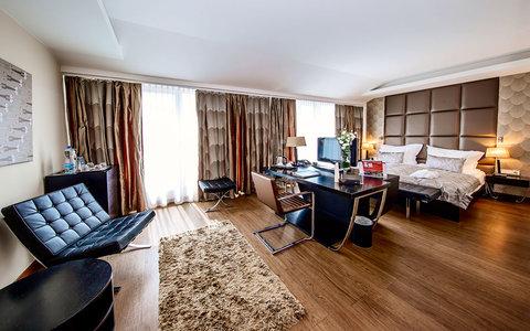 Continental Hotel Zara - Junior Suite RES
