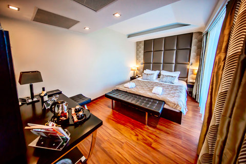 Continental Hotel Zara - Executive Room RES