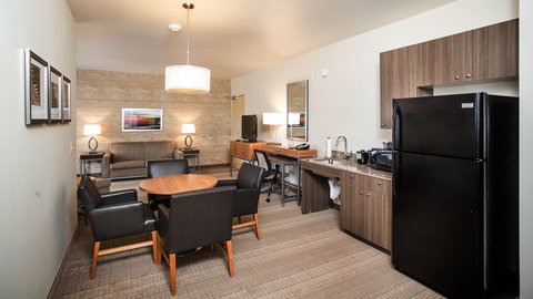 Holiday Inn Express & Suites Pocatello - Extended Stay Suite