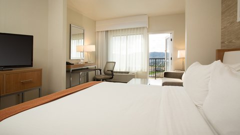 Holiday Inn Express & Suites Pocatello - Two Queen Suite with Balcony