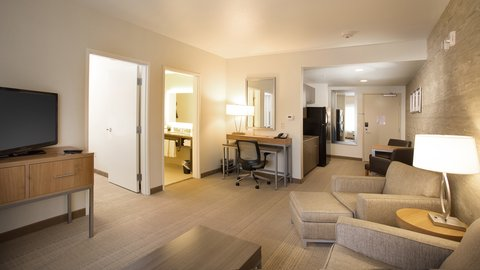 Holiday Inn Express & Suites Pocatello - Book our suites near Portneuf Medical Center