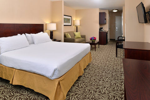 Holiday Inn Express & Suites FRESNO (RIVER PARK) HWY 41 - Junior Suite