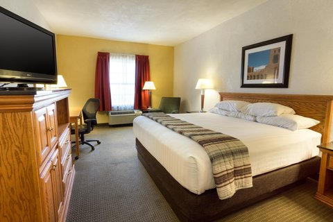 Drury Inn and Suites Albuquerque - Deluxe King Guestroom