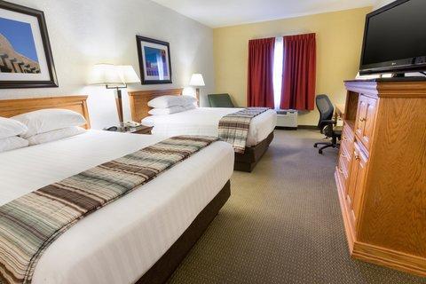 Drury Inn and Suites Albuquerque - Deluxe Queen Guestroom