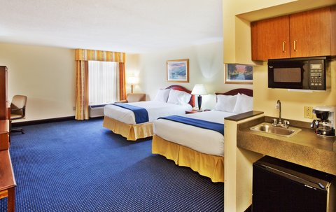 Holiday Inn Express & Suites ATLANTA N-PERIMETER MALL AREA - Double Bed Guest Room