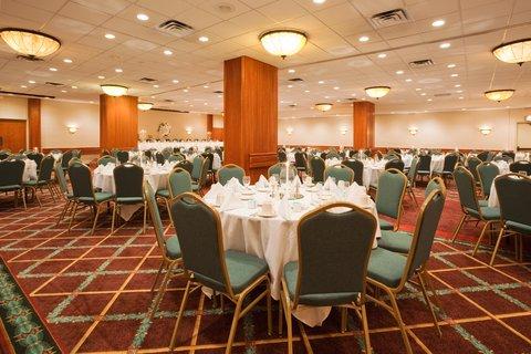 ฮอลิเดย์อินน์ แอเปลตัน โฮเต็ล - Plan the perfect reception at Holiday Inn Appleton