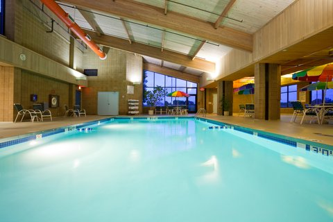 ฮอลิเดย์อินน์ แอเปลตัน โฮเต็ล - Swimming Pool