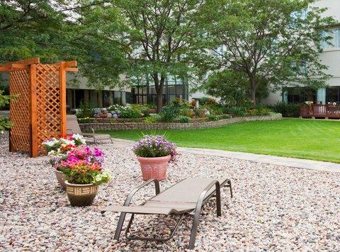 ฮอลิเดย์อินน์ แอเปลตัน โฮเต็ล - Courtyard