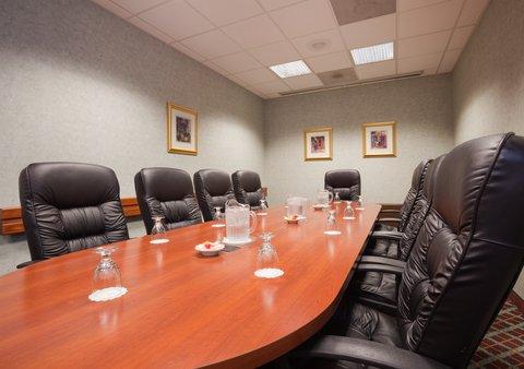 ฮอลิเดย์อินน์ แอเปลตัน โฮเต็ล - Let us help with the Executive decisions