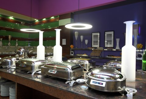 فندق هوليدي ان - Restaurant