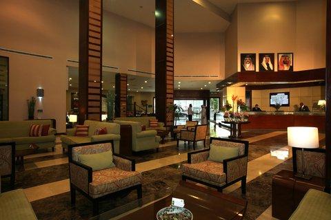 فندق هوليدي ان - Hotel Lobby