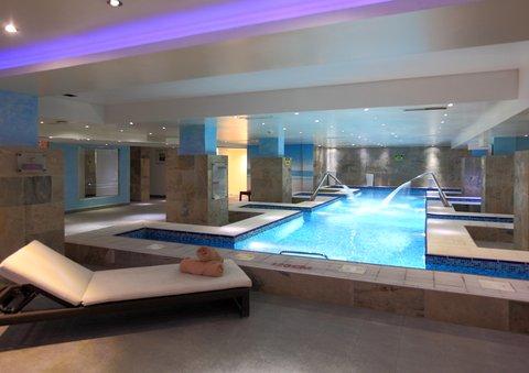 فندق هوليدي ان - Swimming Pool