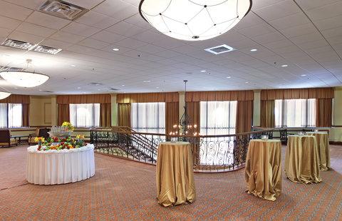 Crowne Plaza DALLAS-MARKET CENTER - Pre-function Area