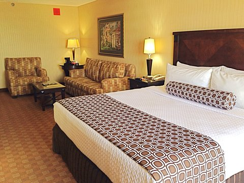 Crowne Plaza DALLAS-MARKET CENTER - King Bed Guest Room
