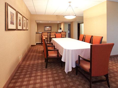 Crowne Plaza DALLAS-MARKET CENTER - Suite