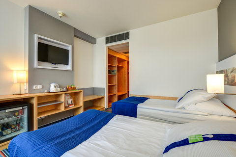 Tranzit Hotel - Guest Room
