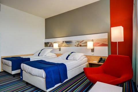 Tranzit Hotel - Guest Room