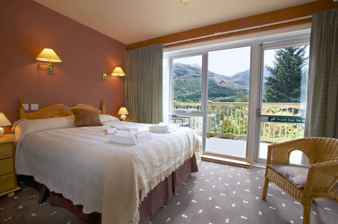 Loch Leven Hotel - Room With Decking And Views
