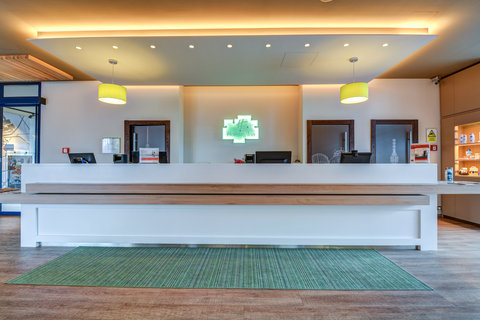 Tranzit Hotel - Reception