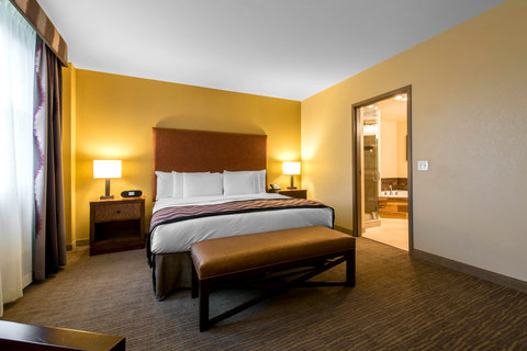 The Golden Hotel, an Ascend Hotel Collection Member - King suite