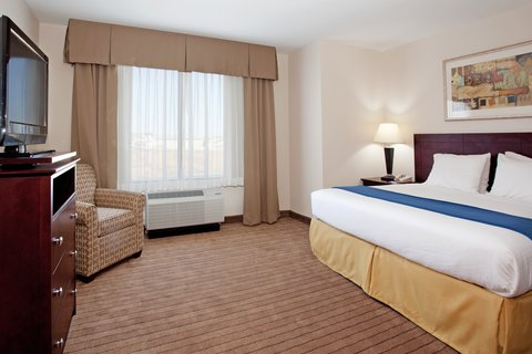 Holiday Inn Express & Suites BUFFALO - King Bed Executive Suite