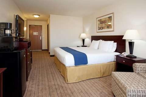 Holiday Inn Express & Suites BUFFALO - King Bed Guest Room