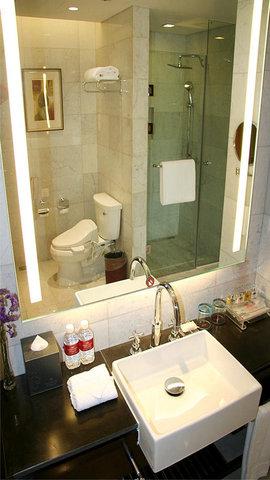Crowne Plaza CHONGQING RIVERSIDE - Bathroom Amenities