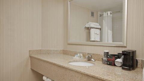 Holiday Inn FLINT - GRAND BLANC AREA - Guest Bathroom