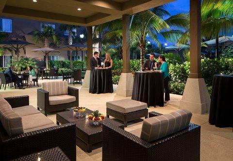 Courtyard Palm Beach Jupiter - Outdoor Courtyard Patio