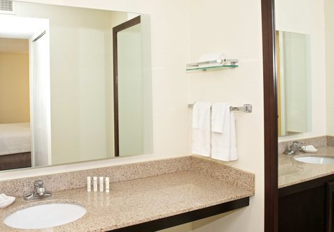 居住馆由万豪波特兰北温哥华酒店 - Studio Suite Bathroom