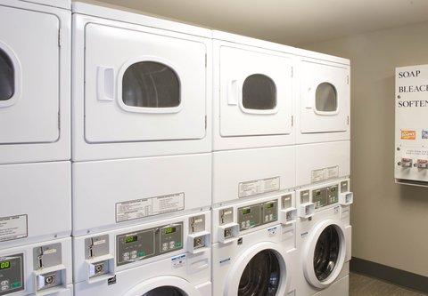 居住馆由万豪波特兰北温哥华酒店 - Guest Laundry